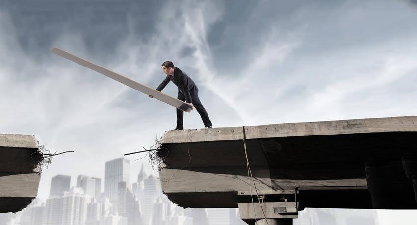 WETALENT blog afbeelding over: Solliciteren bij een concurrent? Vermijd deze 5 valkuilen