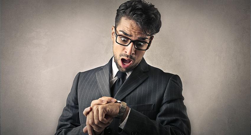 WETALENT blog afbeelding over: Te laat voor een sollicitatiegesprek? Beperk de schade met deze 5 tips!